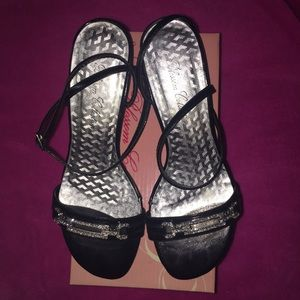 Blossom Collection black size 5 1/2 heels